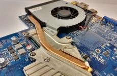 Как чистить ноутбук от пыли правильно